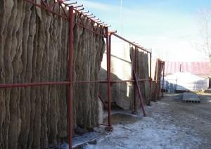 ve výrobně plstí v Darchanu
